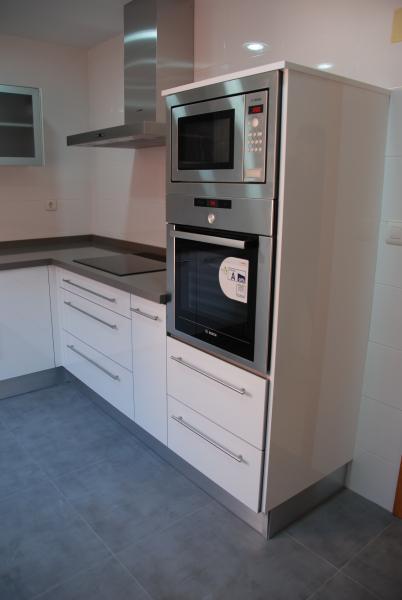 Cocina blanca en l cocinas murcia Cocina 3 metros lineales