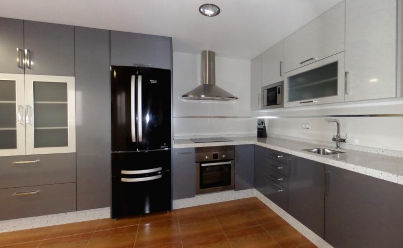 Cocinas en laminado combinado cocinas murcia - Laminado para cocina ...